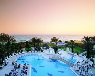 Sandy Beach 3*