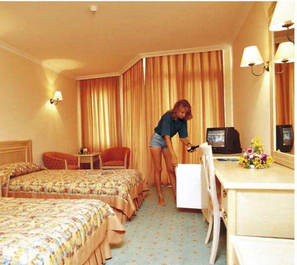 Kiris Alinda Beach Hotel 5*